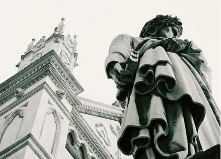 Statue of Dante in front of Santa Croce