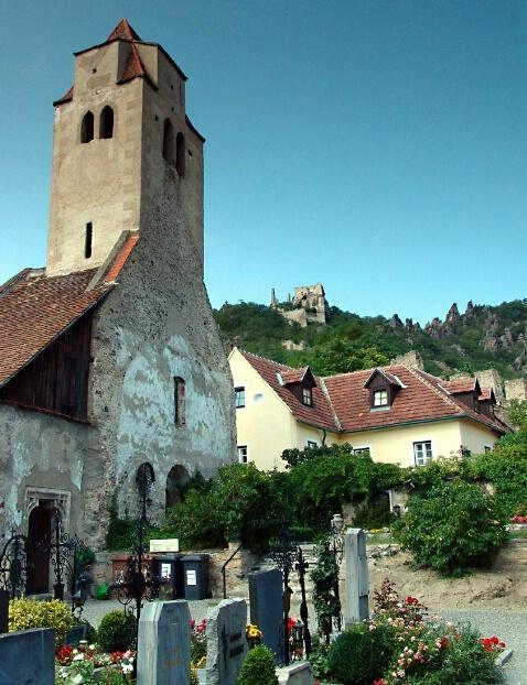 Churchyard - ID: 495218 © Viveca Venegas