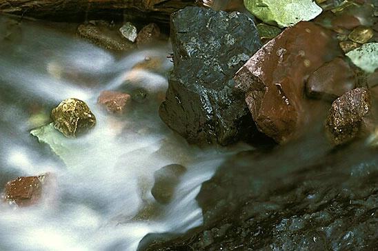 Rocks & Water - ID: 498426 © Brian d. Reed