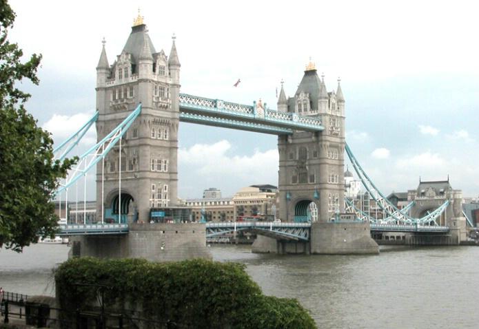 Tower Bridge - ID: 504165 © Robert A. Eck