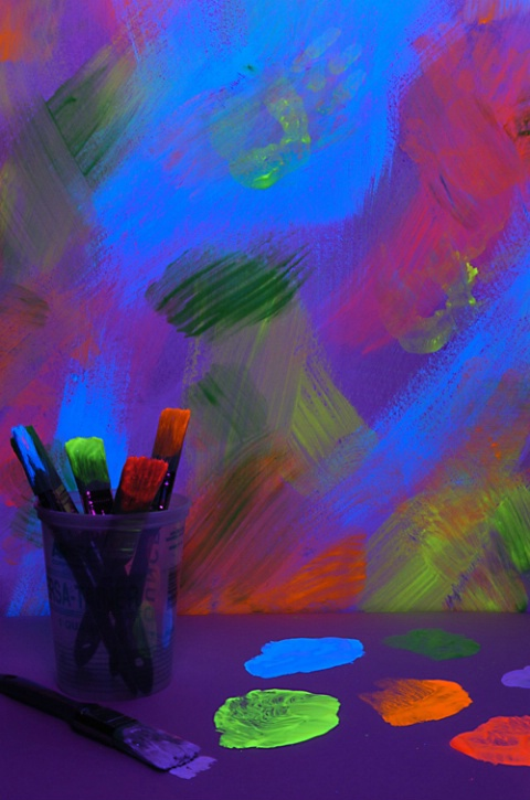 Blacklight Painting