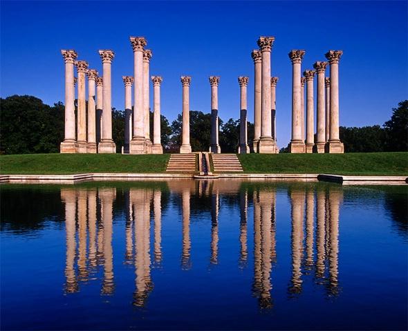 The Capitol Columns
