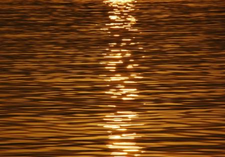 sun reflaction in gold