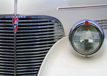 Chevrolet Grill & Light