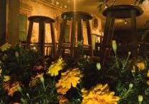 Restaurant at midnight