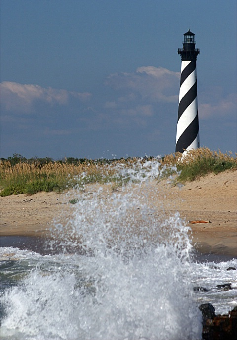Waves at Cape Hatteras - ID: 1230966 © Rob Mesite