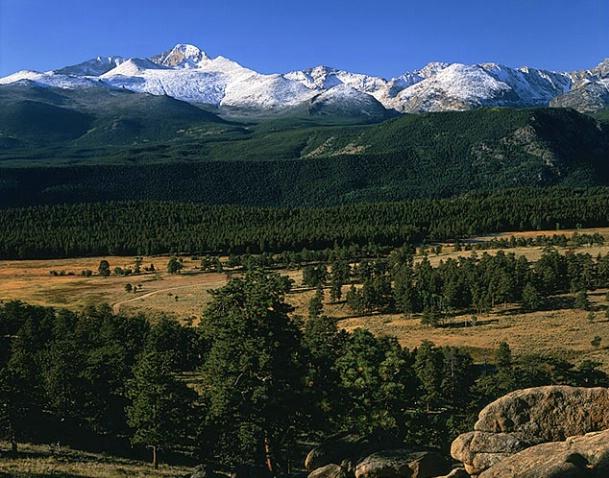 Longs Peak - ID: 1300427 © Brian d. Reed