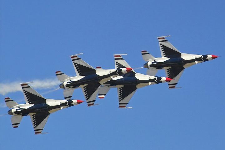 <b>Thunderbirds - Break! Break!</b>