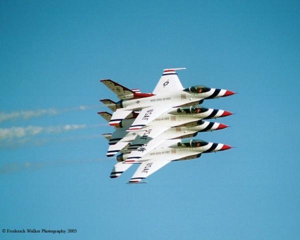 Thunderbirds Echelon Parade