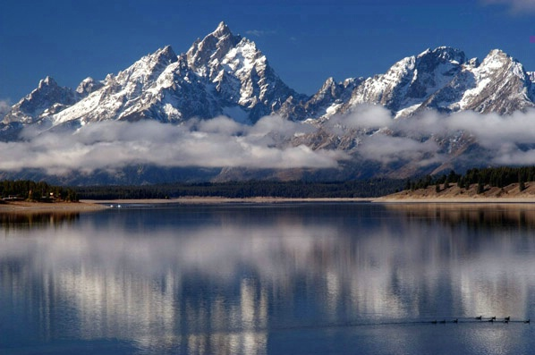 Jackson Lake and the Tetons - ID: 1427784 © GARY  L. ROHRBAUGH