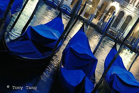 Venice - Gondola - ID: 1454124 © Tony Tang