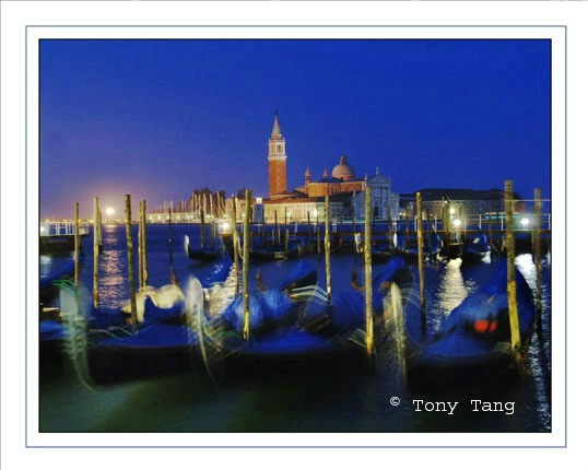 Venice -  At Night - ID: 1454200 © Tony Tang