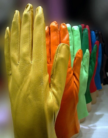 Gloves to colors