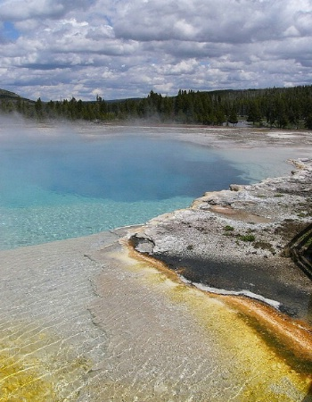 Wonders of Yellowstone: Biscuit Basin