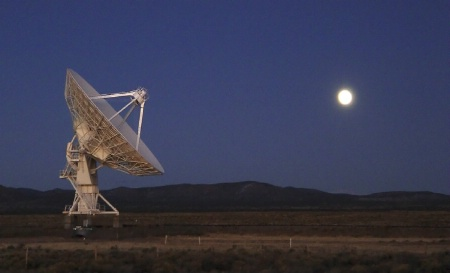 Moonrise over the Very Large Array