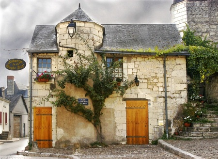 Inn at Candes Saint-Martin