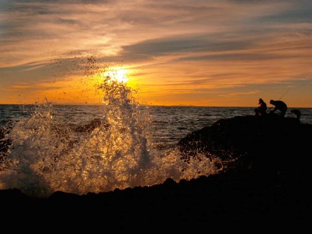 Laguna Sunset Splash - ID: 1806257 © Daryl R. Lucarelli