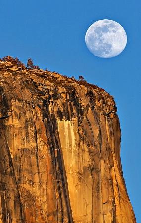 Moon Rising Over El Cap