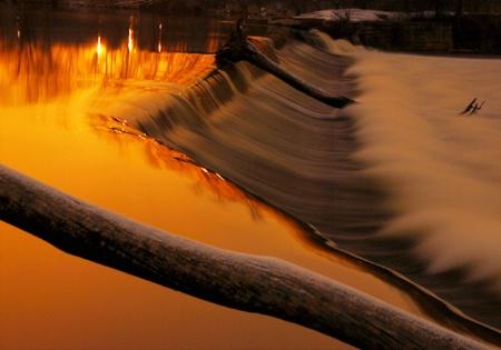 Sunrise Dam