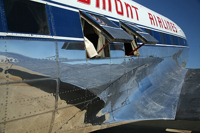 DC-3 - ID: 2337165 © Rob Mesite