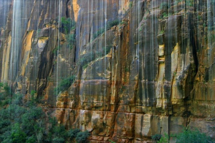 Weeping Rocks