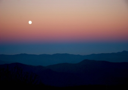 Moon rise over the Smokie Mountains
