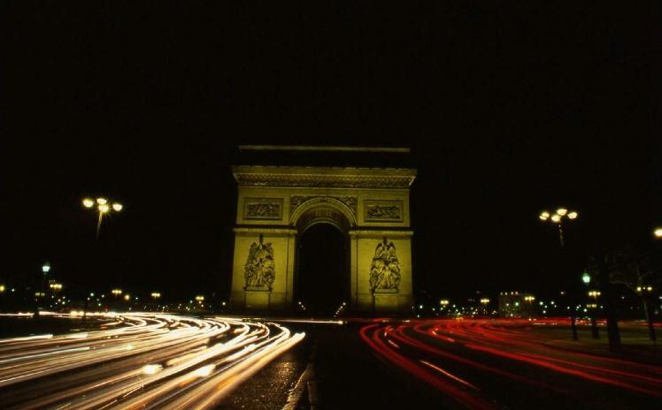Arc de Triomphe - Paris - ID: 3126871 © Larry Lightner