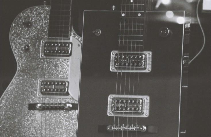 Guitar Shop - Greenwich Village- New York City - ID: 3127437 © Larry Lightner
