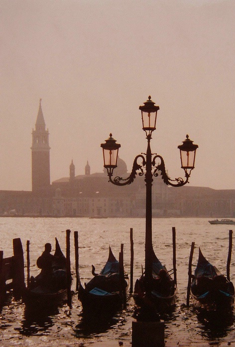One Man and his Boat, Venice, Italy - ID: 3435577 © Vivi M Jovi