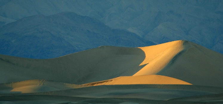 Fading Light at Mesquite Dunes - ID: 3575834 © Gary W. Potts