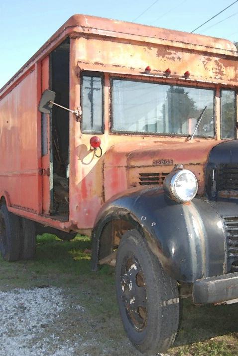 Old bus - ID: 3595230 © Ekaterina Spring