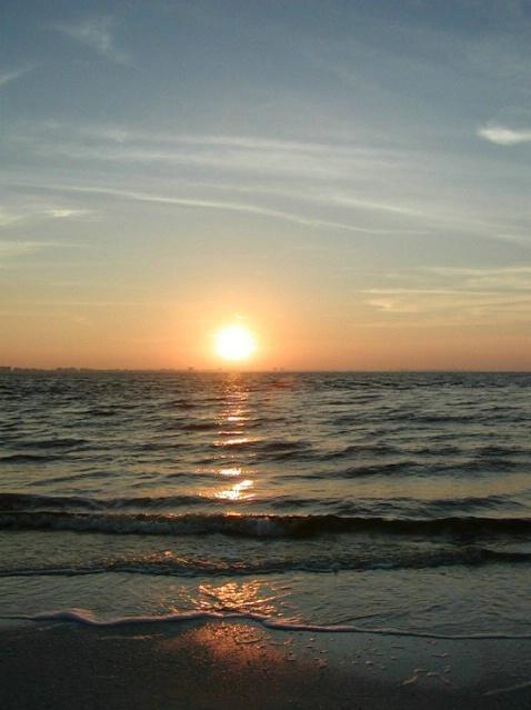 Sunrise - ID: 3668037 © Mary Iacofano
