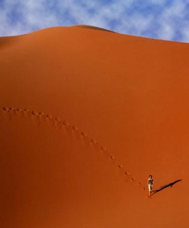 Desert   footprints