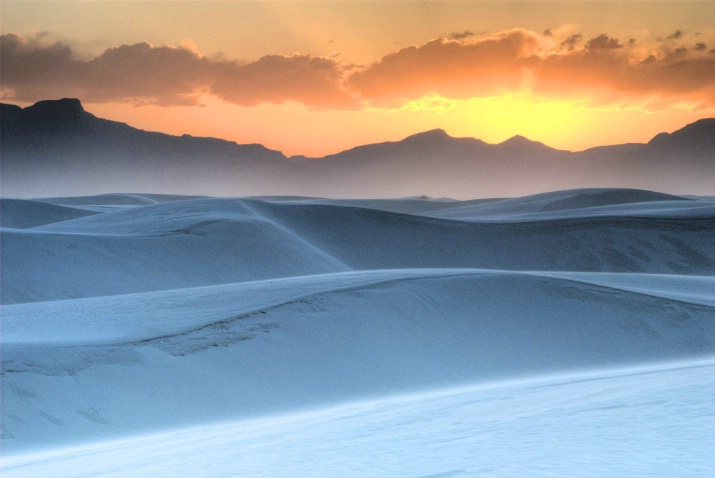 Sunset on White Sands - ID: 3763482 © Ron Heusser