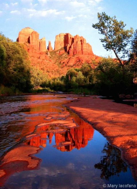 Cathedral Rock  3734 - ID: 3854363 © Mary Iacofano