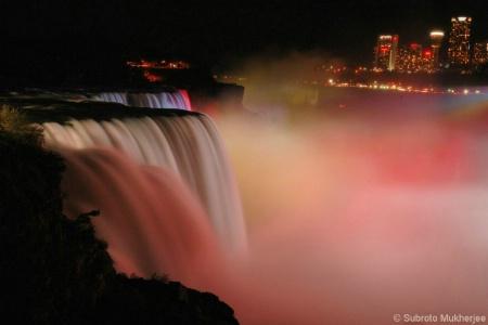 Niagara Falls - Showtime.