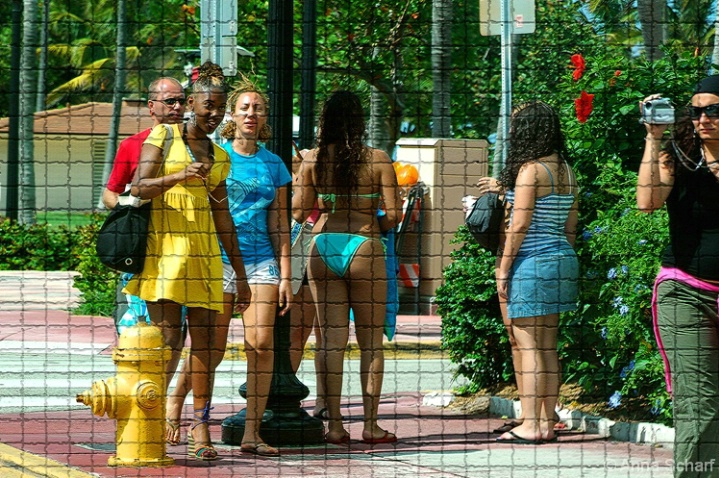 Vacation in Miami (from series Street Mosaic) - ID: 3989703 © Anna Scharf