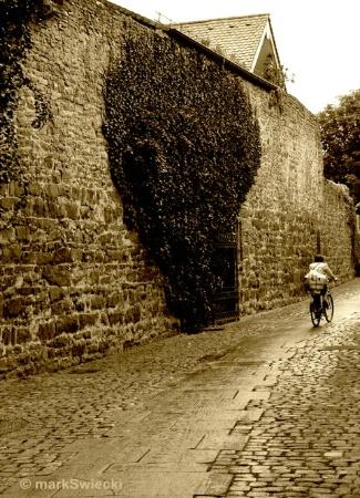 Old Wall 'n Biker