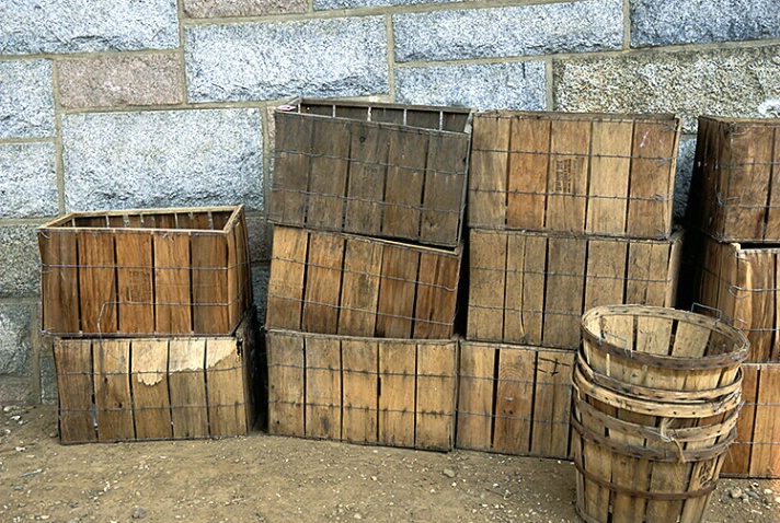 Bushels and Crates - ID: 4879077 © Averie C. Giles