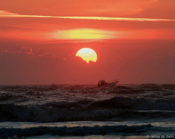 Fisherman Sunrise - ID: 5180408 © James W. Betts