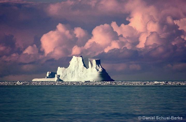 Ice Berg 13 - ID: 5721275 © Daniel Schual-Berke