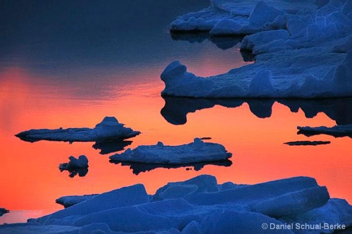 Fire & Ice - ID: 5754565 © Daniel Schual-Berke