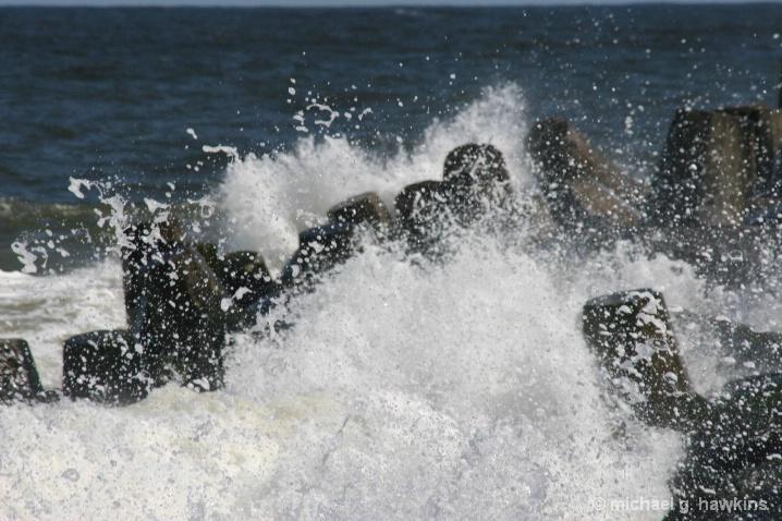 crashing wave - ID: 5813644 © michael g. hawkins