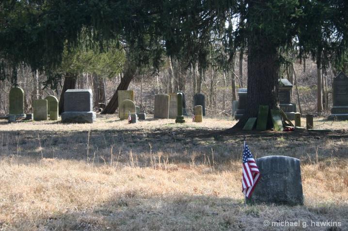hidden cemetery - ID: 5834885 © michael g. hawkins