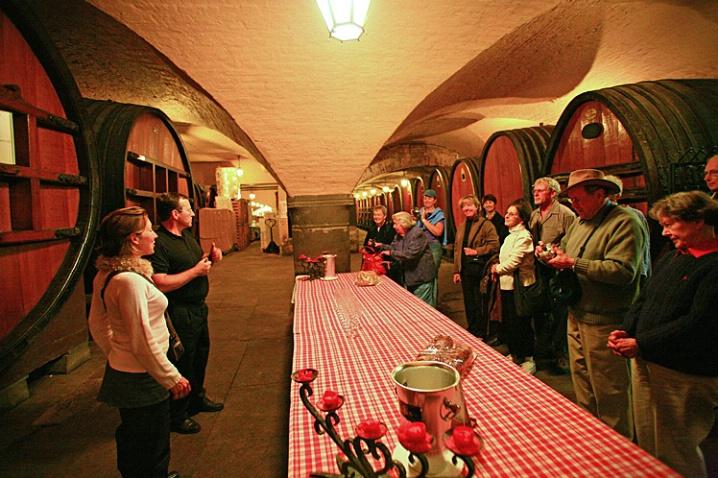 Wine Tasting - ID: 6061646 © STEVEN B. GRUEBER