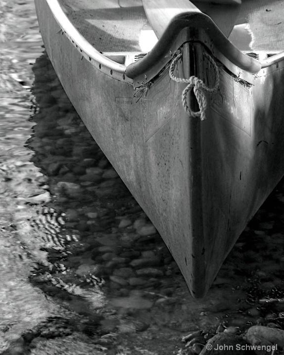 black_and_white_canoe