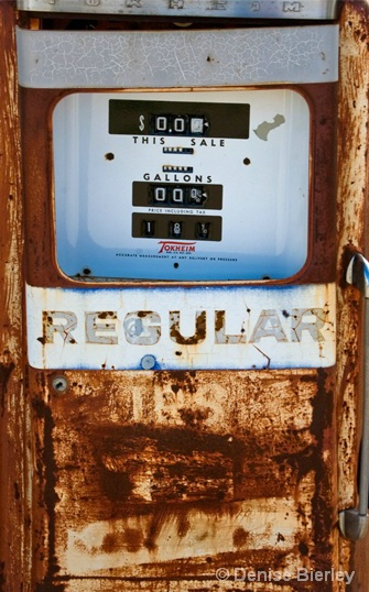 Gas at 18 cents - ID: 6304907 © Denise Bierley