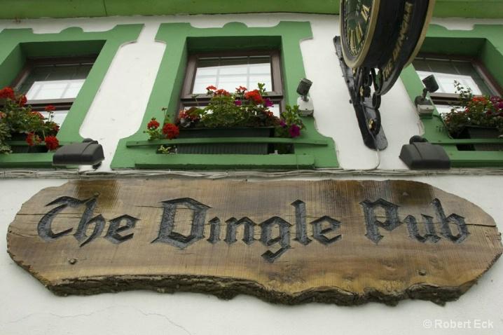the-dingle-pub-2 - ID: 6508227 © Robert A. Eck