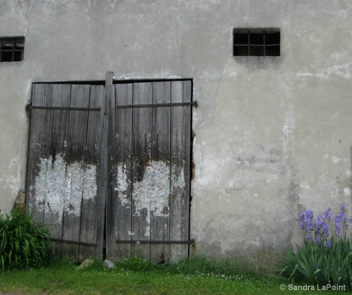 Barn door Ansach Austria