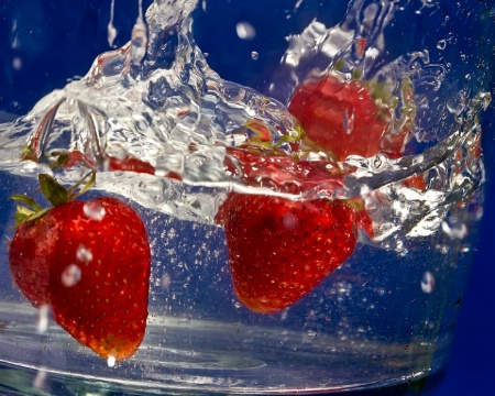 Strawberry Dive